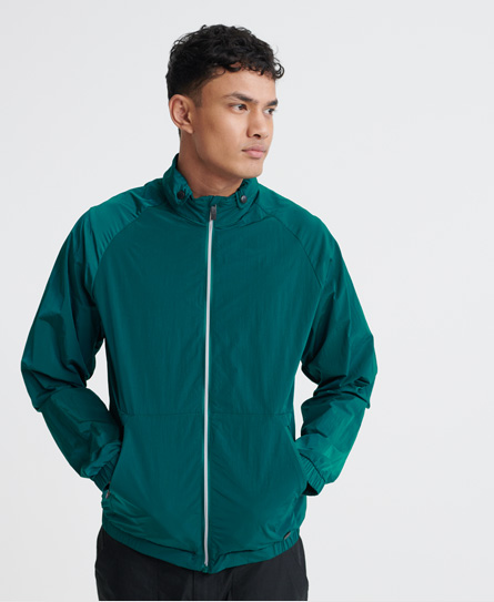 Superdry men's Sky chaser cagoule jacket. This lightweight cagoule features a main zip fastening, tw