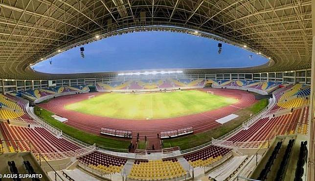 Stadion Manahan Solo.*