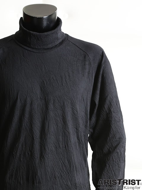 pleats_turtleneck_pullover_1.jpg