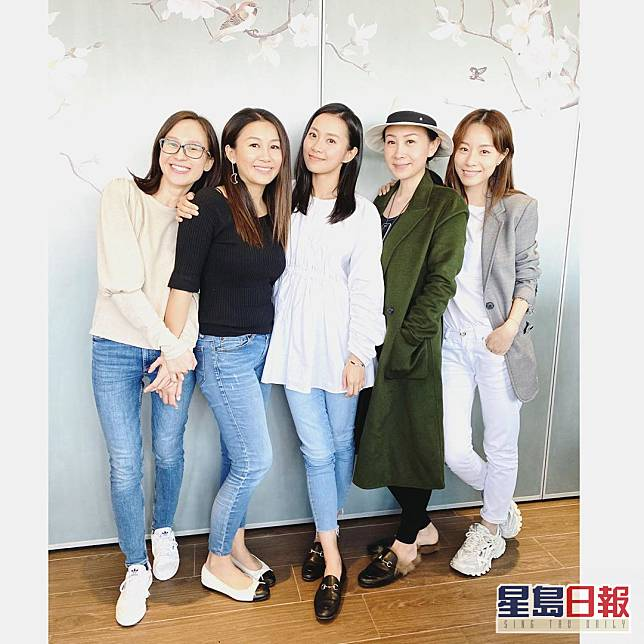2月時Cookies成員難得聚會,當時有楊愛瑾就冇吳雨霏份。