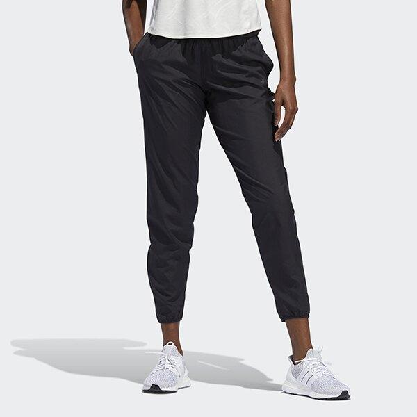 別讓雨水影響了妳的跑步計畫。這款長褲經過防潑水處理,有助保持舒適。配有防水口袋,便於存放小型物品;褲腳設置拉鍊,讓穿脫更容易。100% 再生聚酯平紋布