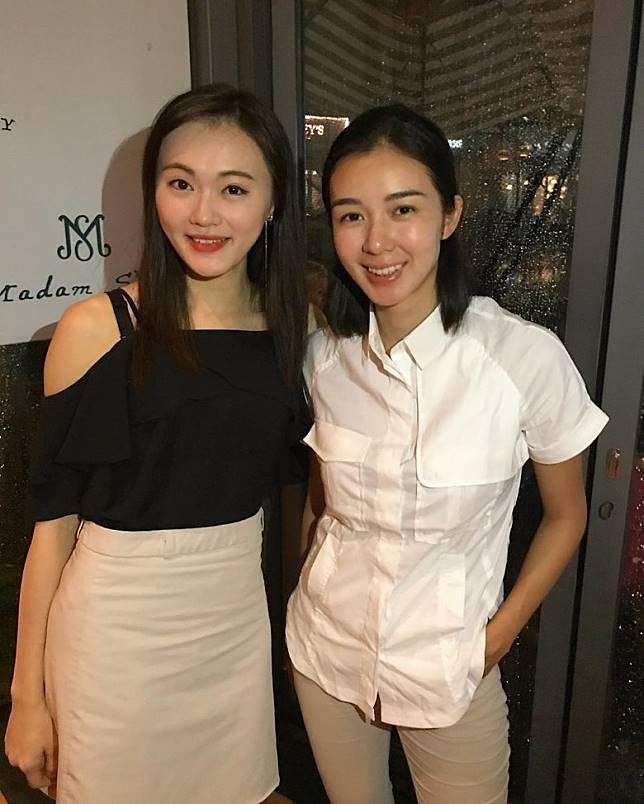 馮熙淳(左)仲同過港姐麥明詩合照。