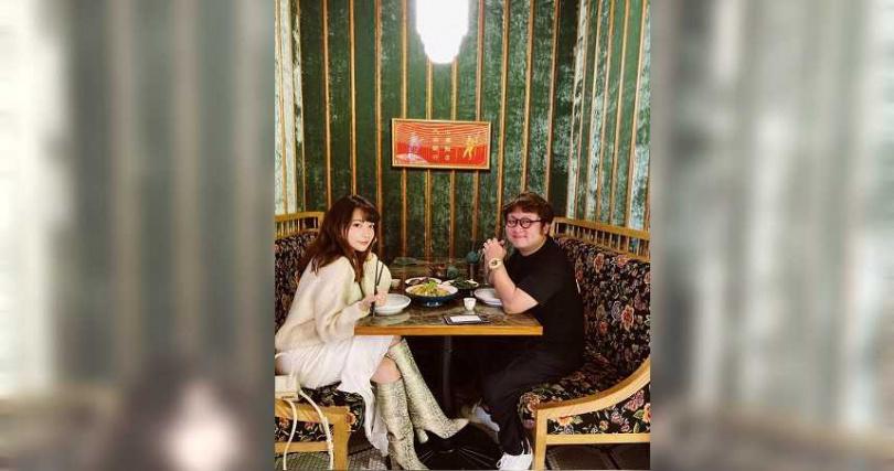 依依(左)和納豆戀情相當穩定。