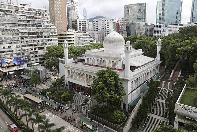 Coronavirus: Kowloon Mosque closes immediately after one of seven ...