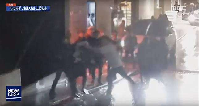 金某當時指被打後,夜店有警察包庇。