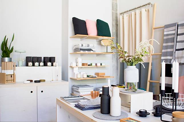Desain Concept Store Minimalis Kekinian Super Keren Dan Stylish