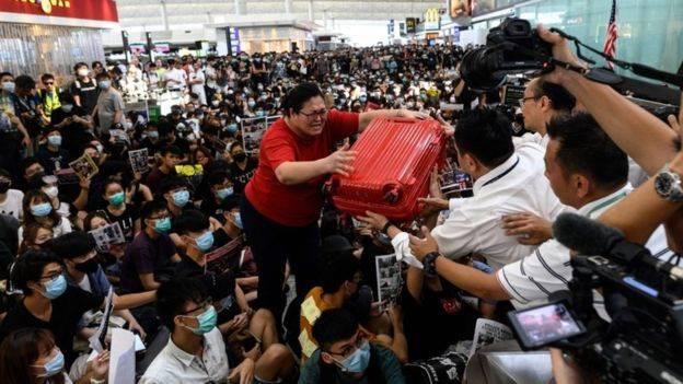Situasi Memanas, Pemerintah Indonesia Umumkan Imbauan Perjalanan ke Hong Kong