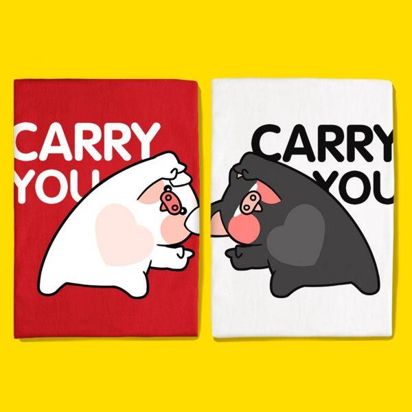 潮T KUSO搞笑 情侶T 情侶裝 純棉短T MIT台灣製【Y0873-3】短袖-合體 CARRY YOU愛心豬 快速出貨