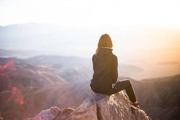 6 Tips Ini Bisa Bantu Lewati Quarter Life Crisis Buat Millenial