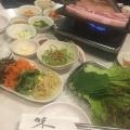 厚切りサンギョプサル - 実際訪問したユーザーが直接撮影して投稿した百人町韓国料理コリアンキッチン 味ちゃん1号店の写真のメニュー情報
