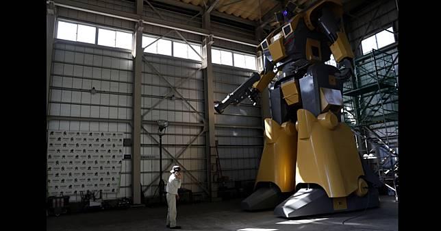 ฝันเป็นจริง!วิศวกรผุดหุ่นกันดั้มให้เช่าขับเล่น