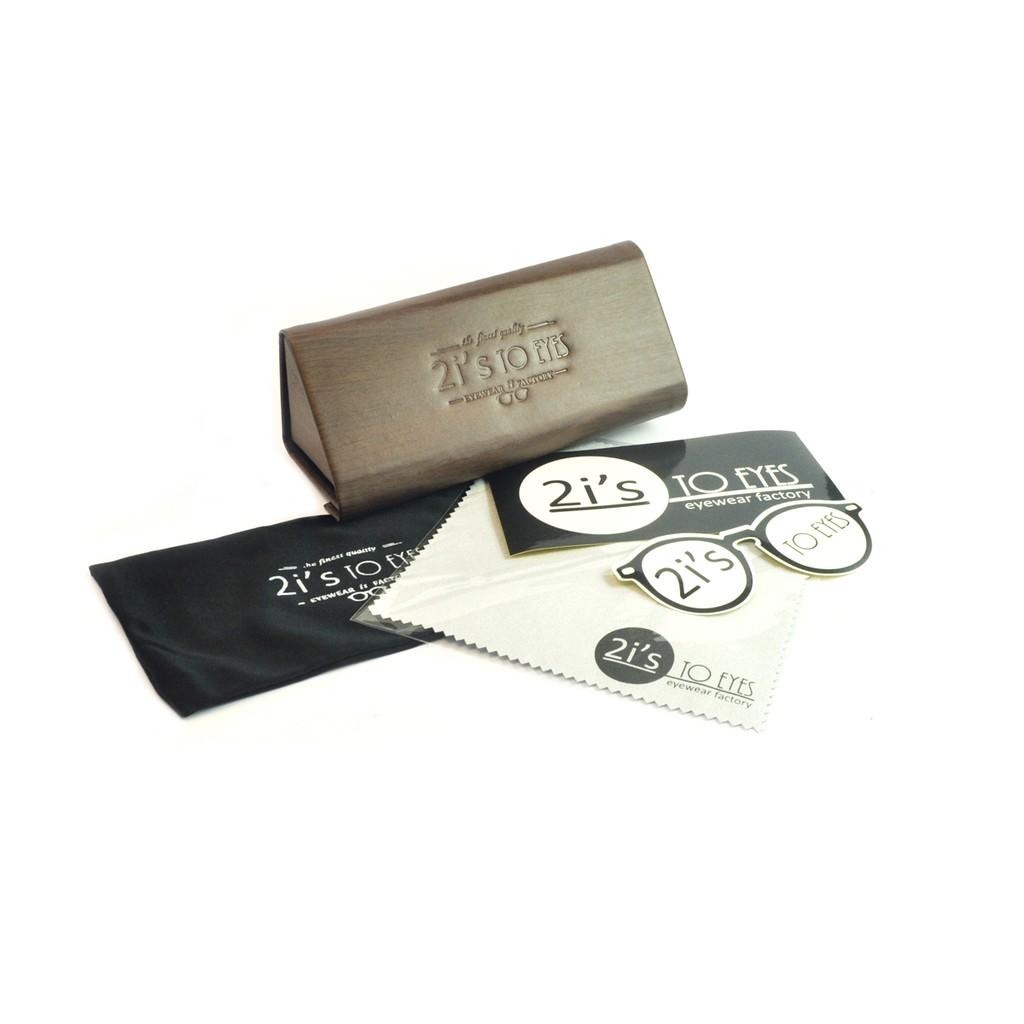 產品資訊:產品: 2is_BX03Wa 類型: 折疊 / 磁石開口色系: 木紋咖啡色(附送的眼鏡袋會隨季而更新顏色喔, 煩請見諒)產品類別: 三角形眼鏡盒材質: 紙 / 仿皮Size:a. 寬度: 7