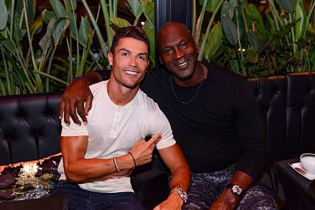 Cristiano Ronaldo and Michael Jordan meet on holiday and the internet goes nuts