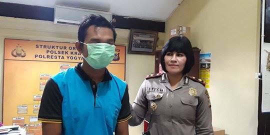 Polisi Bekuk Pedagang Cilok Karena Remas Payudara Mahasiswi. ©2019 Merdeka.com/Purnomo Edi