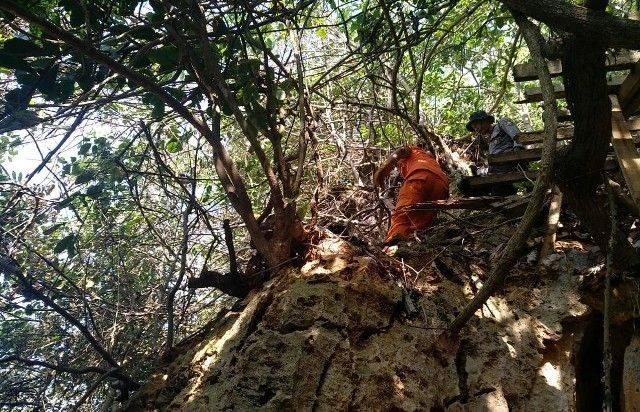 Bule Inggris Terjun di Tebing Pecatu Masih Misterius
