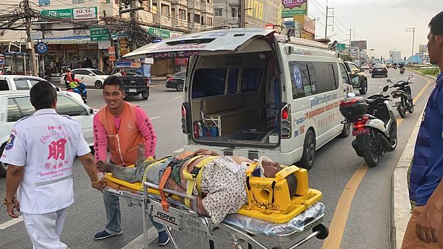หนุ่มใหญ่ป่วยโรคผิวหนังโดดสะพานลอยซ้ำหวังฆ่าตัวตาย โชคดีเข้าข้างล่วงบนหญ้าเจ็บเล็กน้อย