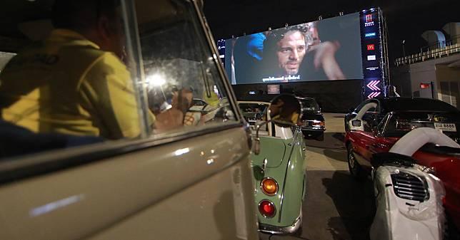 โรงหนังไดรฟ์อิน ขับรถยนต์มาดู มีในไทยแล้ว ตอบโจทย์การชมภาพยนตร์แบบ New Normal