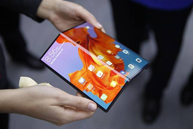 Huawei prices its Mate X 5G foldable phone at US$2,400 for China and limited supplies may make it hard to get