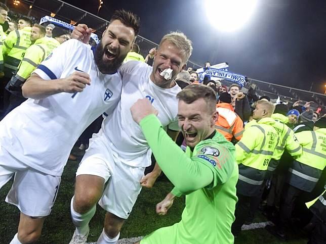 芬蘭球員在賽後顯得相當興奮。(美聯社)