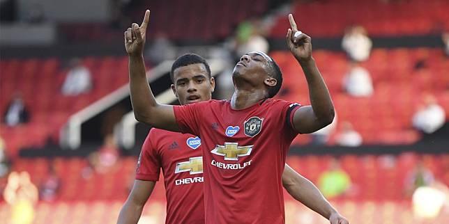 Selebrasi Anthony Martial saat menjebol gawang Sheffield United (c) AP Photo