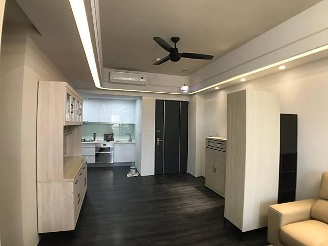裝修後的玄關與廚房