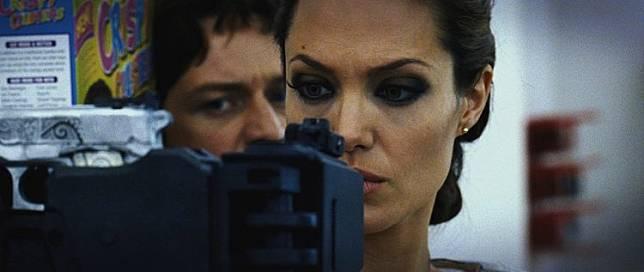 火狐     刺客_詹姆斯麥艾維和安潔莉娜裘莉主演的《刺客聯盟》續集有望問世 ...