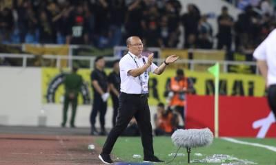 Video: Ngất ngây với những câu trả lời cực hay của HLV Park Hang-seo tại AFF Cup