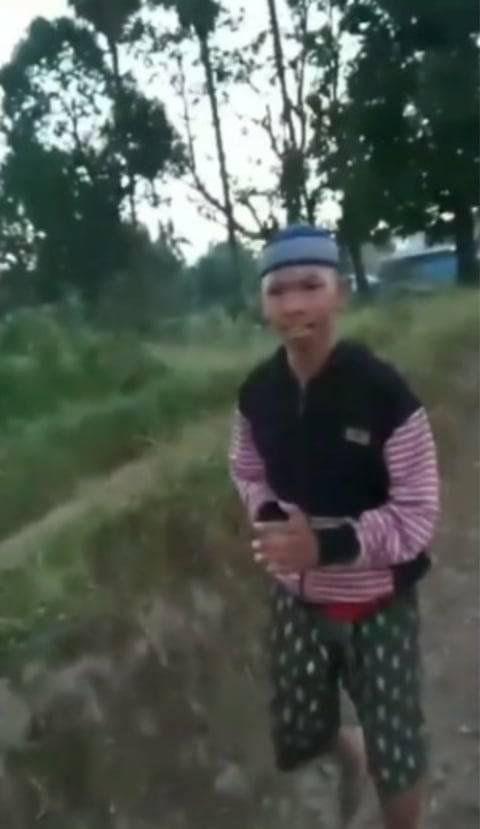Momen Lucu Bocah Nangis saat Motor Mau Disita karena Standing di Depan Polisi
