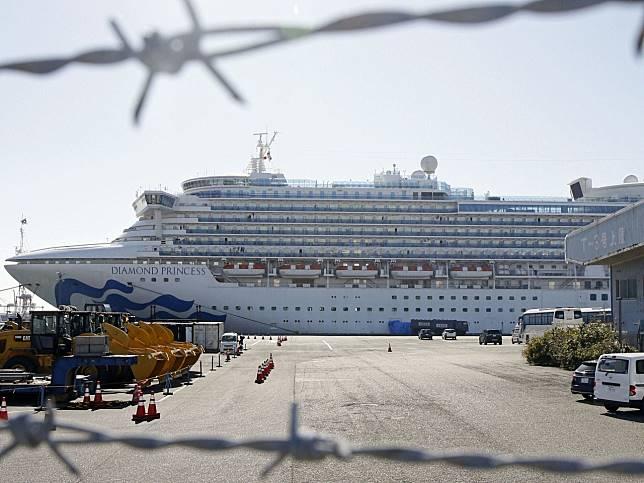 政府說滯留「鑽石公主號」上,確診感染新型冠狀病毒的港人,最新增至約50人。(美聯社)