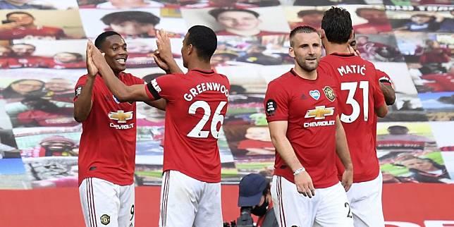 Skuat Manchester United merayakan gol Anthony Martial ke gawang Sheffield United (c) AP Photo