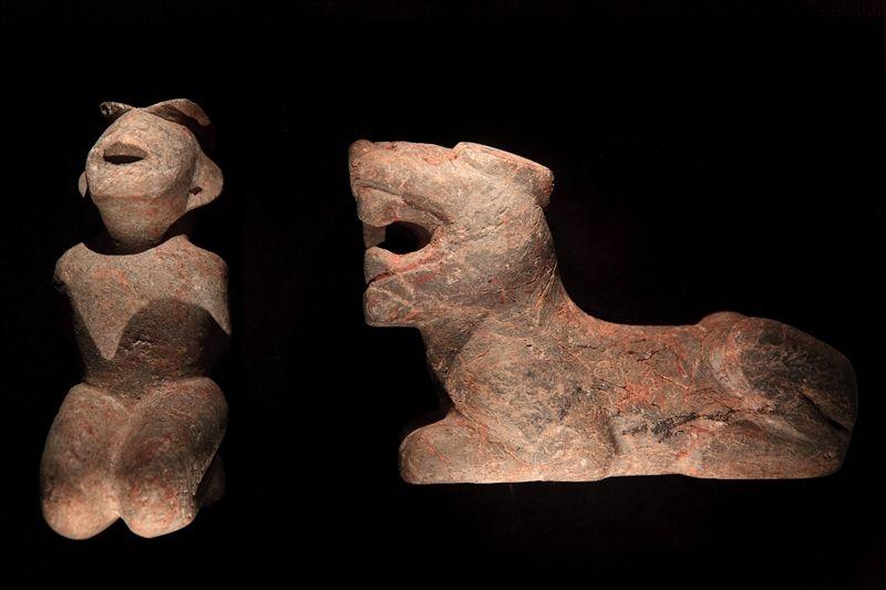 遺址文物多為祭祀用品,從其可了解當時的社會及人類生活。(圖片來源:欣傳媒)