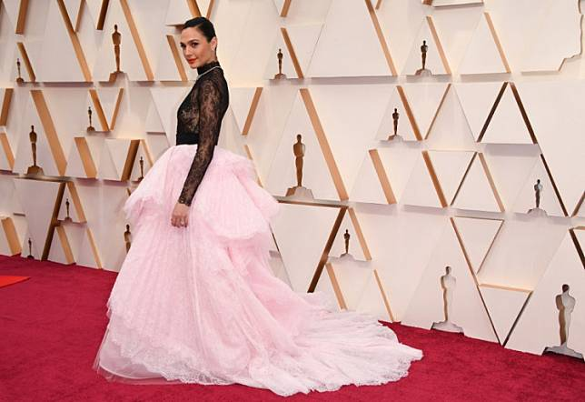 Israeli actress Gal Gadot arrives for the 92nd Oscars at the Dolby Theatre in Hollywood, California on February 9, 2020.