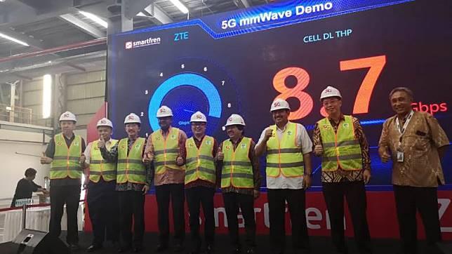Uji Coba Jaringan 5G Smartfren Capai Kecepatan 8,7 Gbps