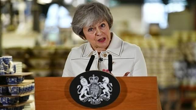 ผู้นำสหราชอาณาจักร เผชิญภาวะกดดัน เพื่อเดินหน้าเบร็กซิตต่อไป