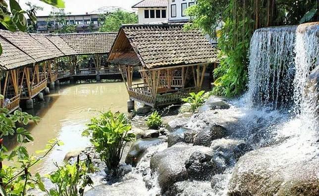 Beberapa Restoran dengan Suasana Alam yang Cocok untuk Liburan