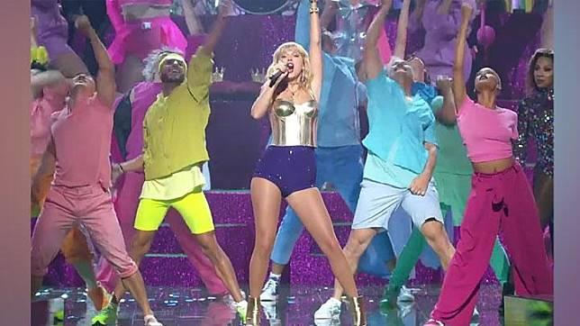 Taylor Swift saat tampil di MTV VMA 2019. Instagram/ IG TV @vmas