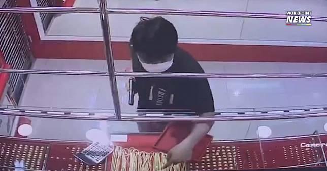 ล่า! โจรหนุ่มควงปืนบุกเดี่ยวชิงสร้อยทองหนัก 33 บาท ก่อนหลบหนี