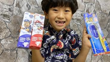 齒妍堂兒童萬毛牙刷& 防蛀修護牙膏(含氟),保護孩子的健康!