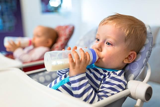 Mata Bayi Seperti Juling Saat Baru Lahir, Benarkah Pertanda Gangguan Pengelihatan?