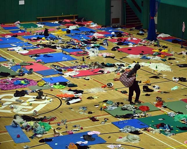 估計留於校內的人數約有50人。