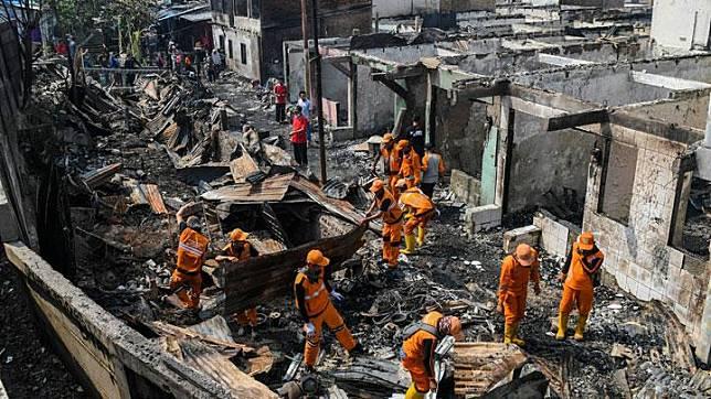 Tiga Hari, Kebakaran Hanguskan 215 Rumah di Permukiman Jakarta