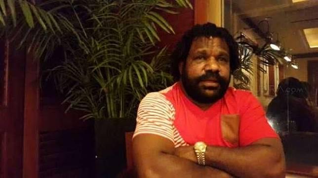 Staf Khusus Presiden untuk Papua yang juga Ketua Lembaga Masyarakat Adat Provinsi Papua Lenis Kogoya [suara.com/Siswanto]