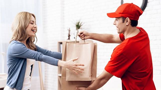 Ilustrasi food delivery, pesan antar makanan [shutterstock]
