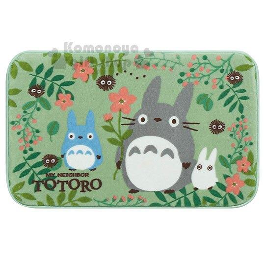 〔小禮堂〕宮崎駿 Totoro龍貓 方型地墊《綠.花草.黑炭》80x50cm.腳踏墊.地毯。居家,家具與寢飾人氣店家小禮堂-樂天旗艦店的<<雨季商品專區>>有最棒的商品。快到日本NO.1的Rakute