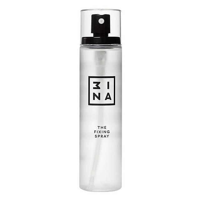 3INA The Fixing Spray是一款多功能定妝噴霧,同時提供爽膚、紓緩、抗炎及抗衰老功效。(互聯網)