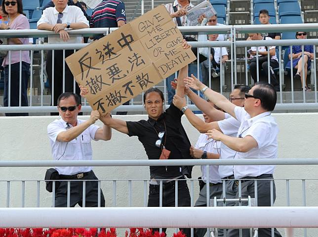 'Give me liberty or give me death': protester makes presence felt at Sha Tin