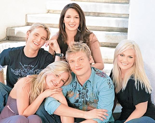 Nick五兄弟姊妹曾一同演出真人騷,當時感情要好。