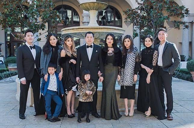 Keluarga konglomerat Tanoesoedibjo. Foto: instagram.com/liliana_tanoesoedibjo