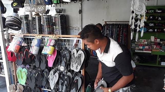 Bule Tinggalkan Bali, Omset Pedagang Turun Drastis