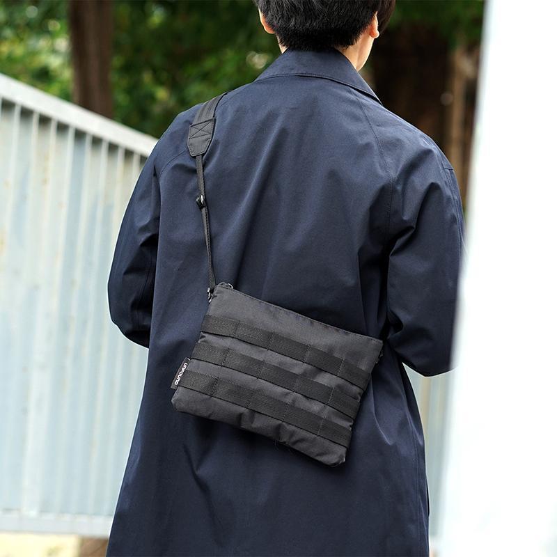 產品特色 小包背帶可立即收納 / 拆卸 Molle 系統綁帶可依需求外掛 Fidlock、YKK 大廠高品質配件 台灣設計、台灣製造 產品介紹 420D Nylon Ripstop 布料 ▲ 包體本身